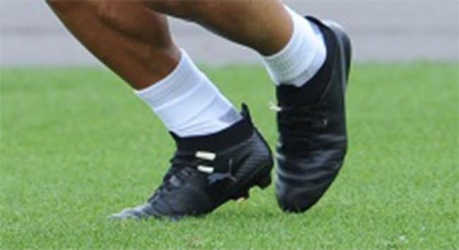 Has Santi Cazorla Trained in Blackout Next-Gen Puma evoTOUCH Boots 85cb9736e6f5