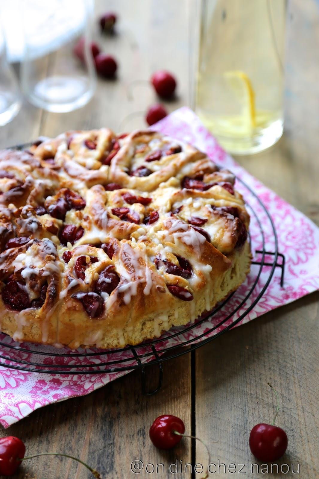brioche , cerises , amandes , goûter du dimanche , epeautre