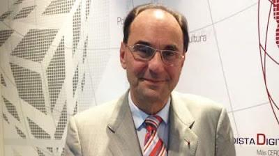 الدكتور آلخوفيدال كوادراس رئيس اللجنة الدولية