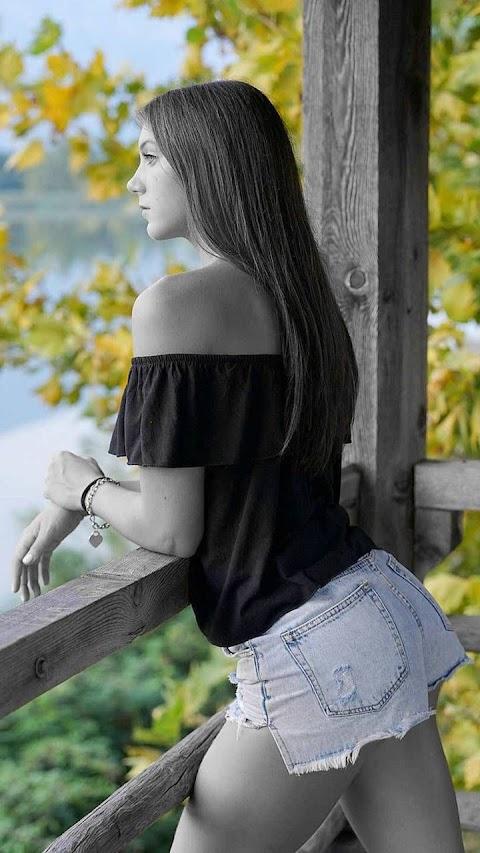 Girl xinh ngắm cảnh
