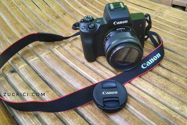 Foto Kamera digital Canon EOS M50