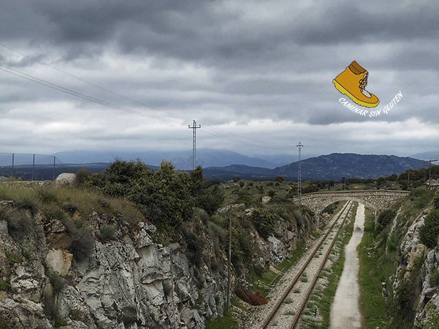 LÍnea Ferrocarril Madrid-Burgos abandonada en Colomenar Viejo
