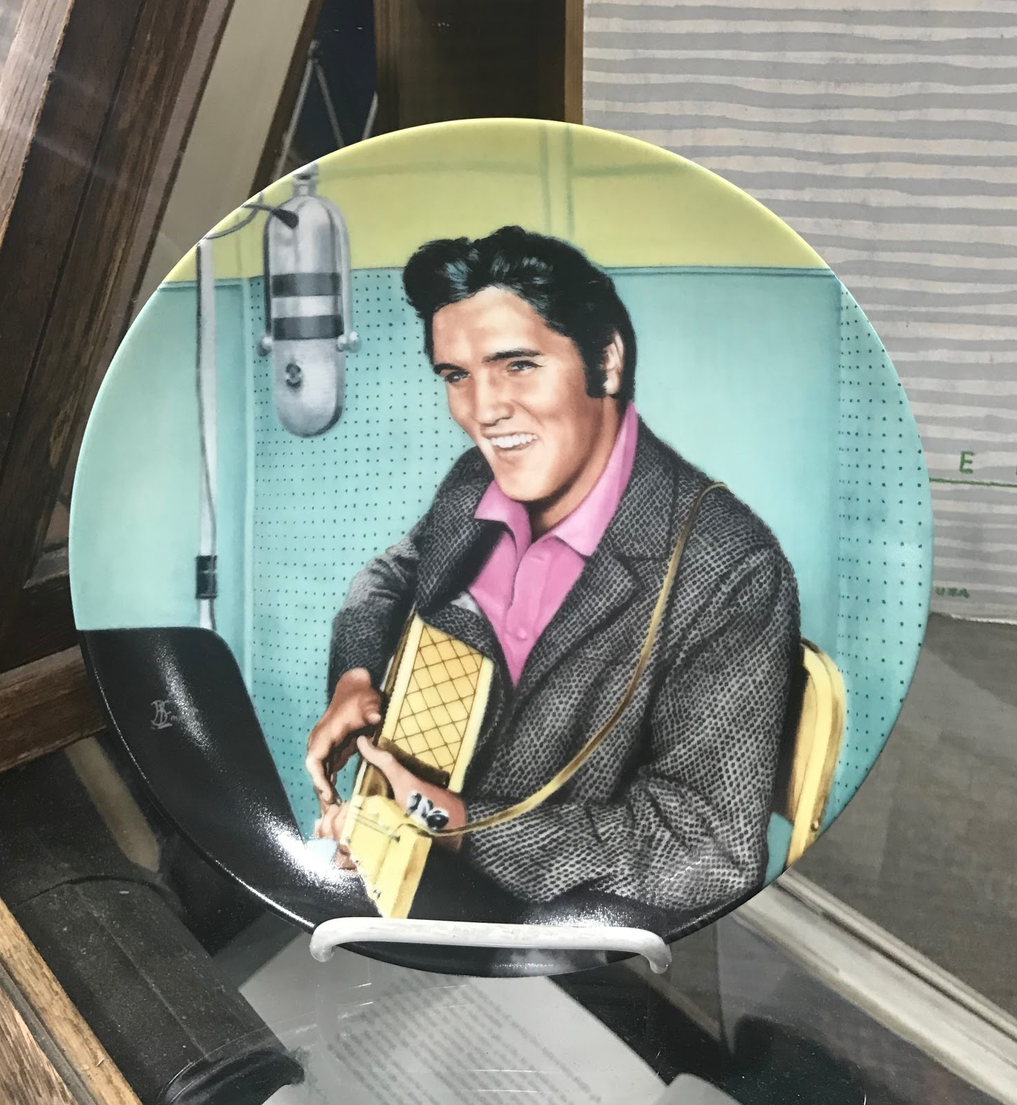 Image: Elvis Presley Pictures that were being sold at a Vintage market in Dallas, Texas
