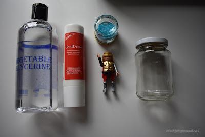 Zutaten für das Glitzerglas