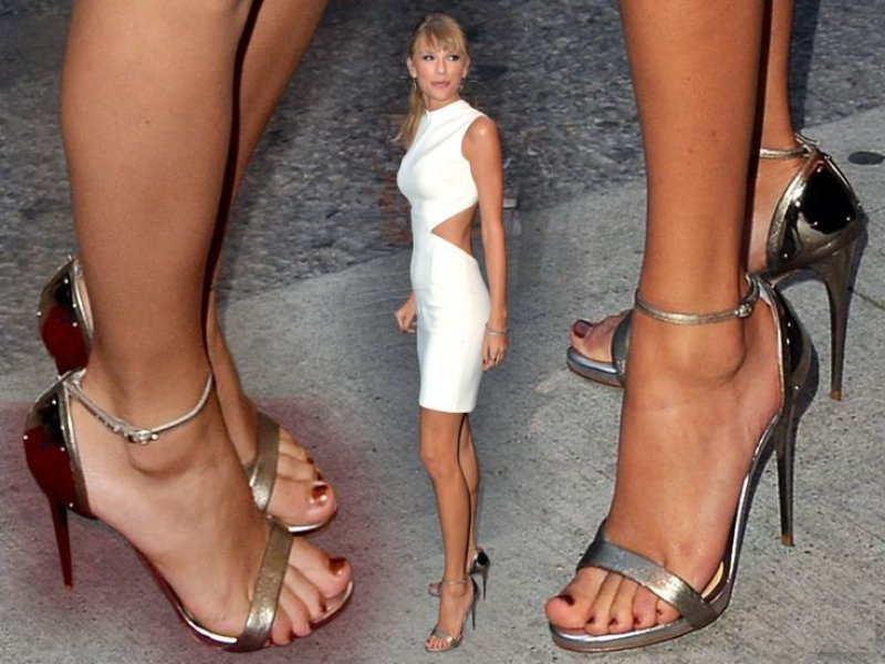 Taylor feet jennifer Jennifer Aniston