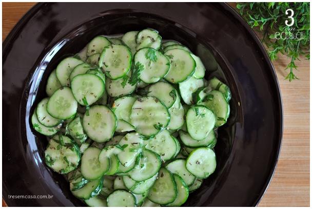 salada de pepino com limão