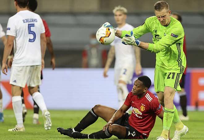 """Martial đưa MU vào bán kết Europa League, được khen """"Cầu thủ 100 triệu bảng"""""""