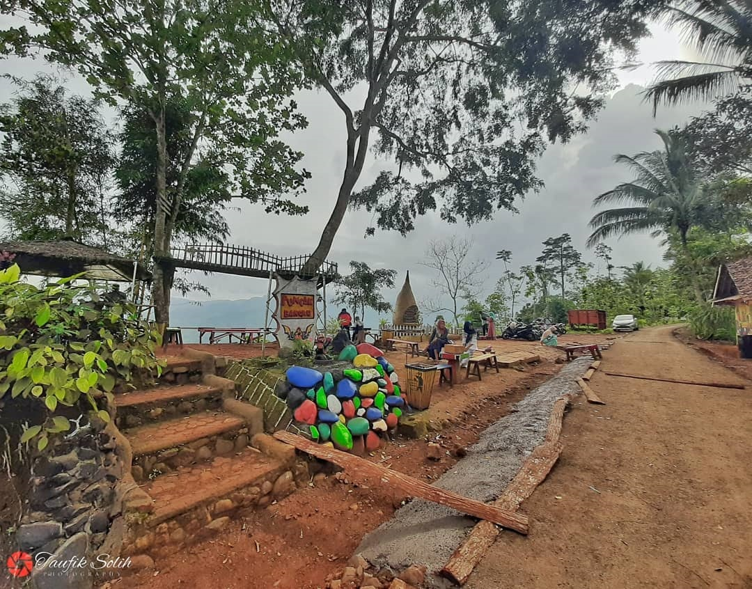 Wisata Puncak Bangku Rancah