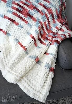 blanket made from loop yarn.