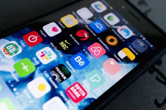 أفضل تطبيقات اَيفون يجب أن تحملها على هاتفك 2020