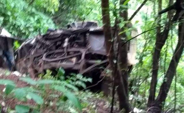 महाराष्ट्र में बड़ा हादसा : रायगढ़ में 400 फीट गहरी खाई में गिरी बस