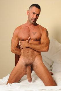 http://www.gaybarcelonaporn.com/
