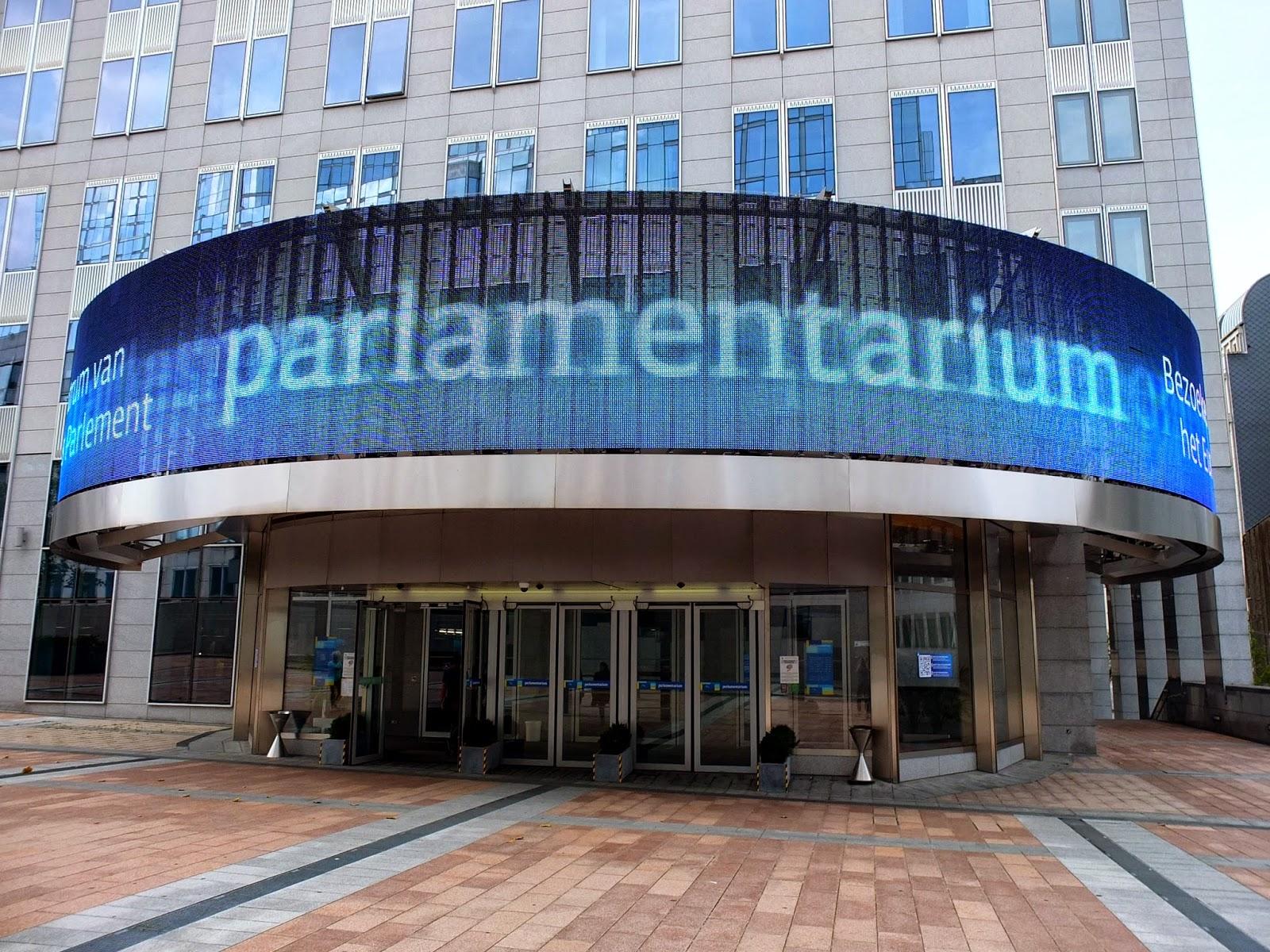 EU, Europaviertel, Leuchtschrift, Parlament, Institution