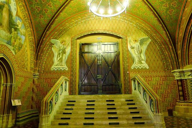 Entrance to Matthias