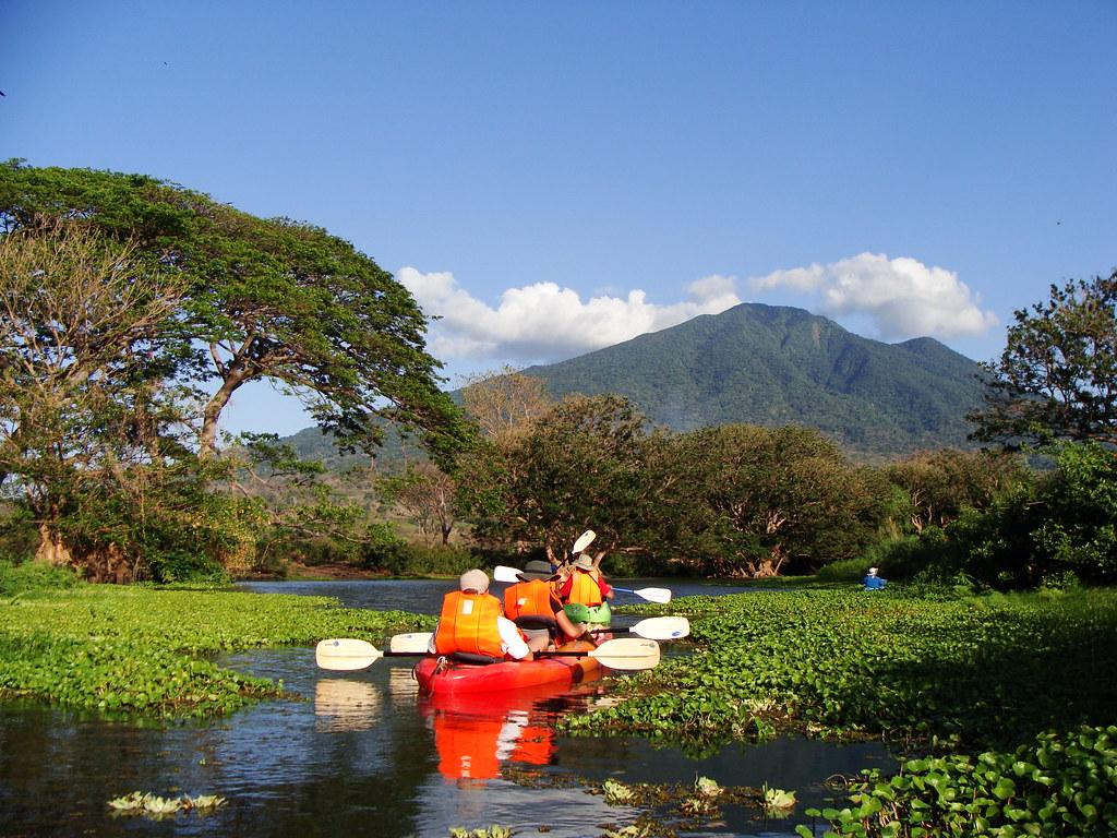 kayaking in nicaragua
