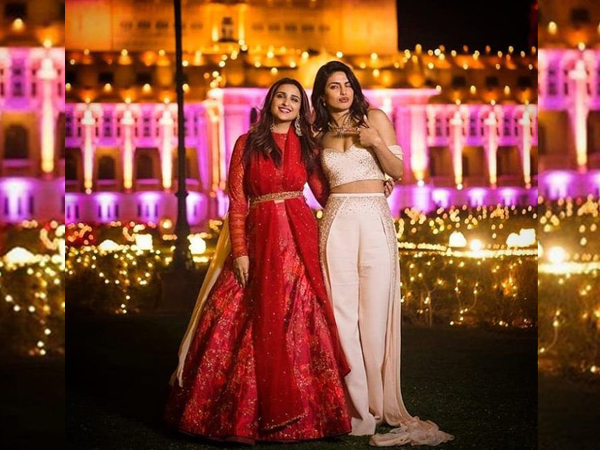 अभिनेत्री प्रियंका चोपड़ा जोनास ने अपनी चचेरी बहन  परिणीति चोपड़ा के जन्मदिन में  प्यार की बारिश की।