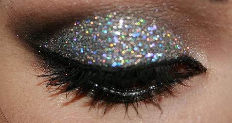 How-To-Do-Glitter-Eyeshadow