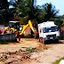[VÍDEO] Com infraestrutura defasada, caminhão do lixo cai em buraco no Conceição