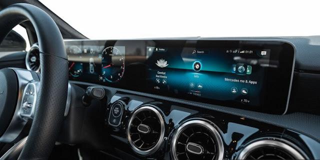 Mercedes обновляет свою информационно-развлекательную систему MBUX