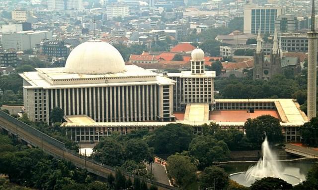 Masjid Istiqlal Tiadakan Salat Jumat Dua Pekan