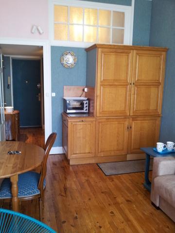 cure vichy location appartement meubl au coeur des thermes de vichy location meubl id ale. Black Bedroom Furniture Sets. Home Design Ideas