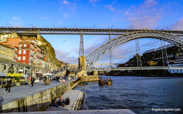 Entardecer no Cais da Ribeira, Porto, Portugal
