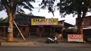 Lokasi Usaha Strategis Di Pinggir Jalan