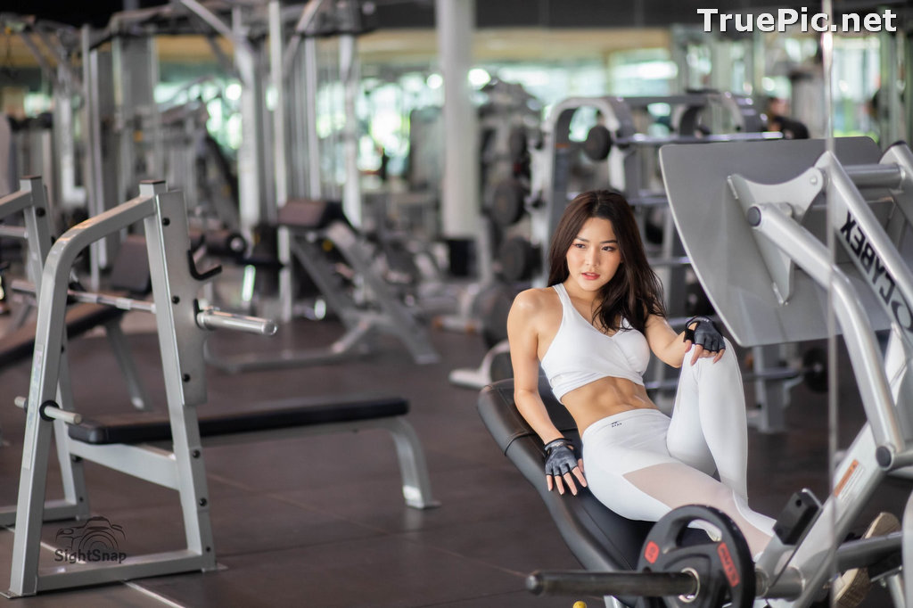 Image Thailand Model - Phitchamol Srijantanet - White and Black Fitness Set - TruePic.net - Picture-2
