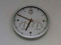 クレセル 温湿度計付き壁掛け電波時計TC-050BR