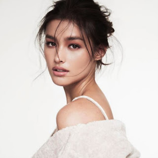 The 100 Most Beautiful And Most Handsome Faces Of 2017, The 100 Most Beautiful Faces Of 2017 The Most Beautiful Faces Of 2017, Liza Soberano, Pelakon Filipina, Forevermore, Dolce Amore, Just The Way You Are Film, Enrique Gil, LizQueen, Juara, Pemenang, Top 1, Winner Of The Most Beautiful Faces Of 2017,