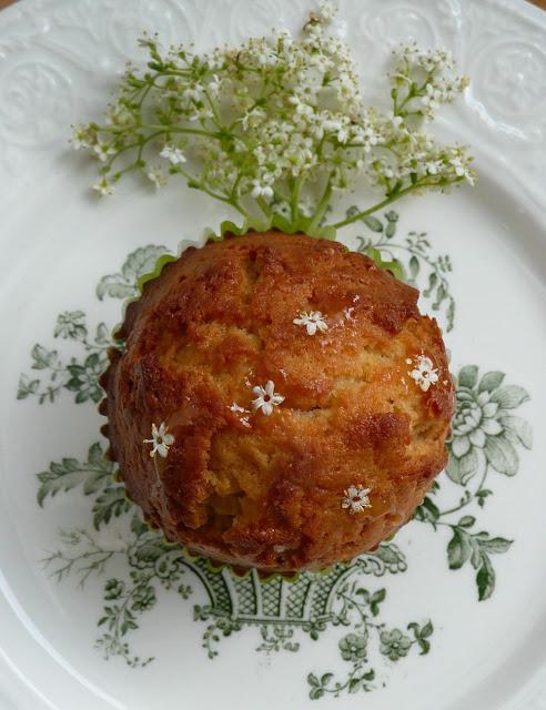 Muffins aux fleurs de sureau et au miel