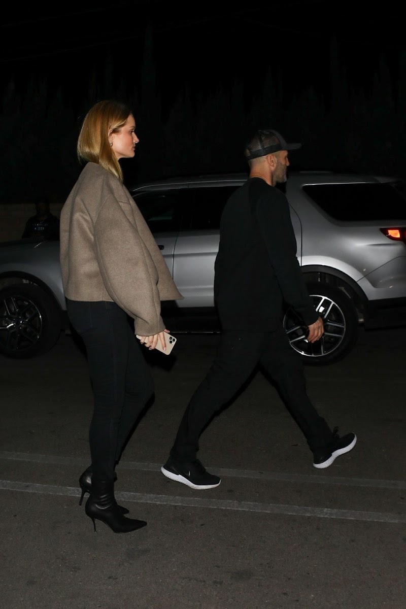 Rosie Huntington-Whiteley, and Jason Statham Clicke At Outside for Dinner in Los Angeles 26 Feb-2020