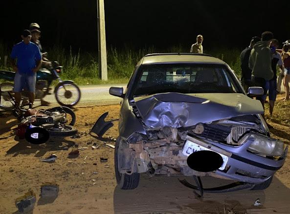 Baianópolis: Colisão frontal entre um carro e uma moto, deixa motociclista ferido na noite desta quarta