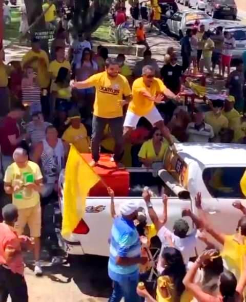 Prefeito de Itapetinga Rodrigo Hagge dança na pandemia