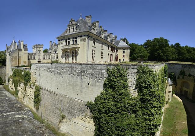 Castelo de Brézé após a reconstrução no século XIX