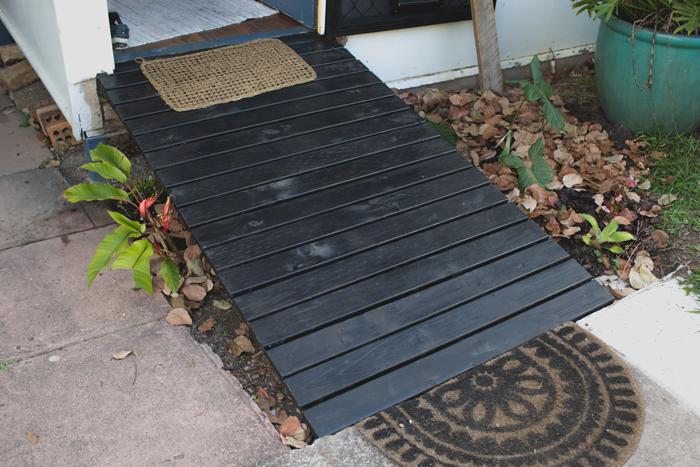 black varnished front ramp