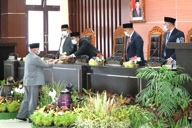 Bupati dan DPRD Lotim ketok palu APBD tahun 2021