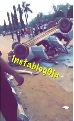 Nigerian University Students Destoy Vehicle Of SARS Officers Who Stormed Campus To Make Arrest