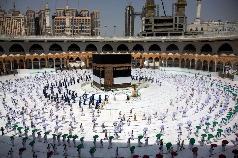 Arab Saudi Mewajibkan Vaksin COVID-19 Untuk Bakal Haji Tahun Ini