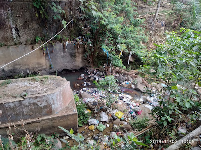 Sungai Penuh Sampah di Majalengka