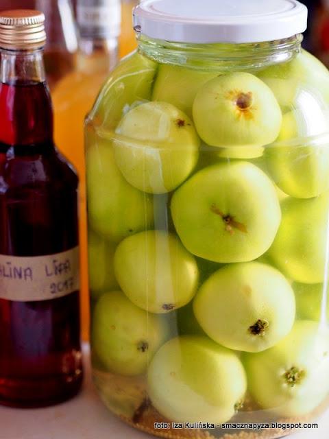 jablka kiszone, kiszonki, jabłuszka kiszone, kiszone owoce, kisimy, sieje fermentacje, fermentacja, przetwory