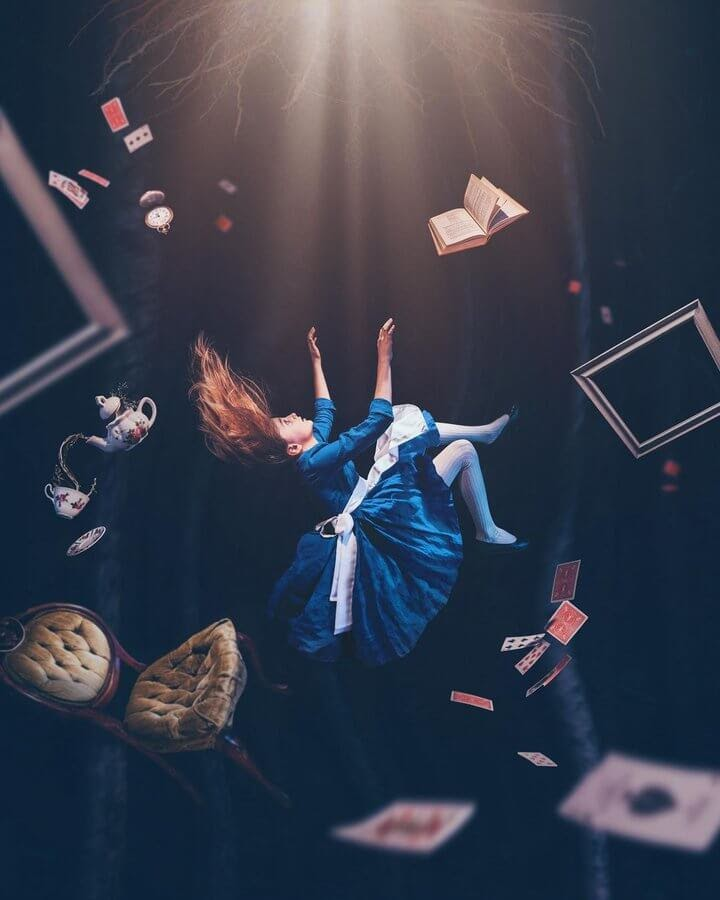 07-Alice-in-Wonderland-Alexandria-Slens-www-designstack-co