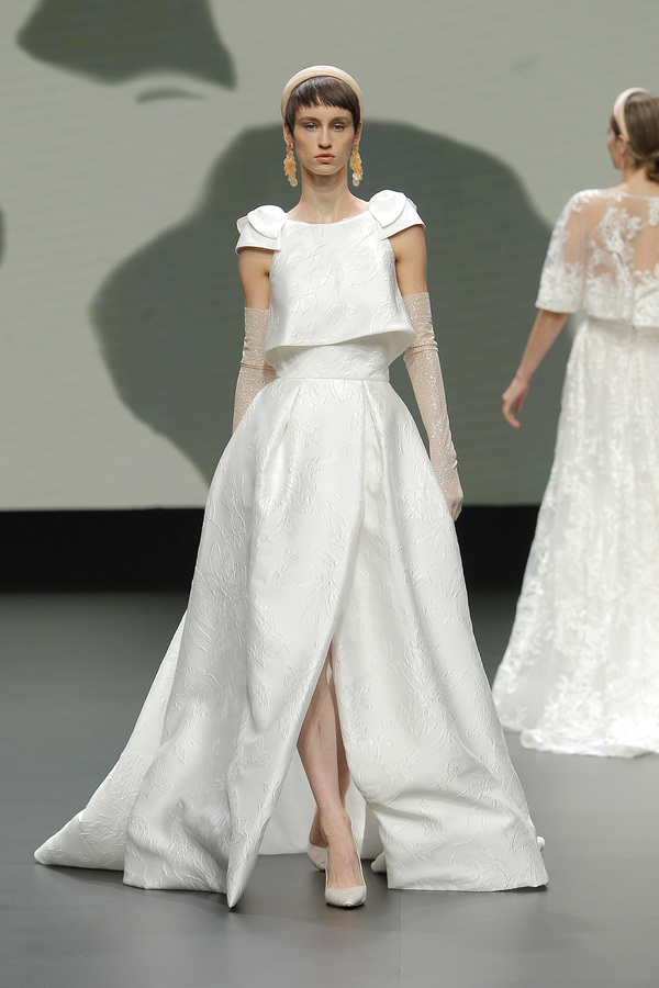 Valmont Barcelona Bridal Fashion Week 2021: Jesús Peiró