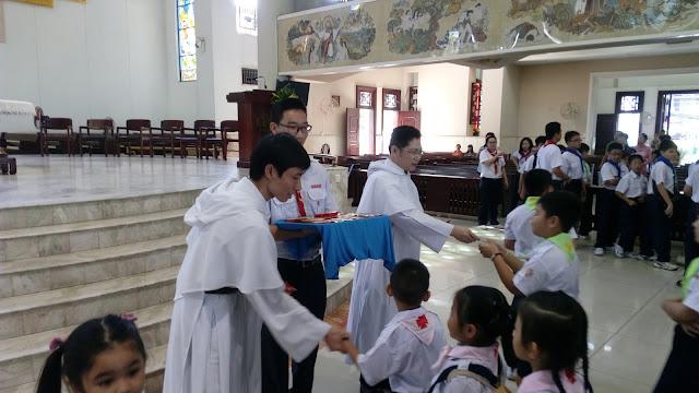 Thiếu nhi Đa Minh Ba Chuông mừng tân niên Bính Thân