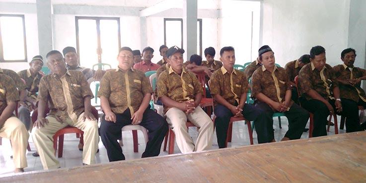 Para peserta rapat minggon.