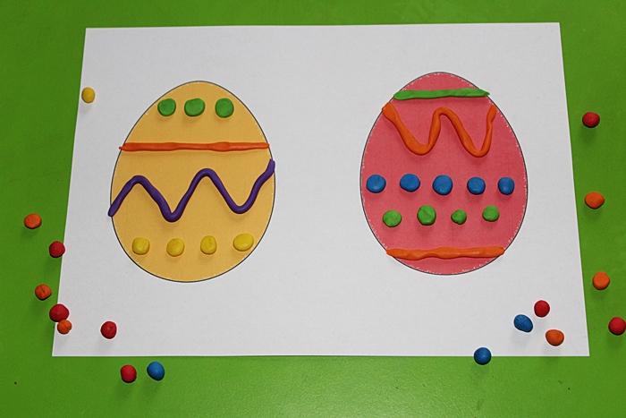 Wielkanocne zabawy plasteliną - pisanki według wzoru   Kreatywnie w domu
