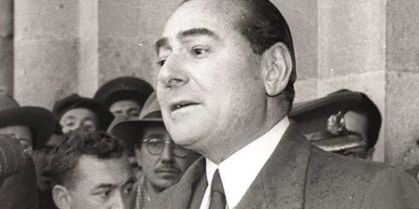 Adnan Menderes Kimdir? aslen nerelidir? kaç yaşında idam edildi? Merhum Başbakan Adnan Menderes'in hayatı hakkında kısaca bilgi.