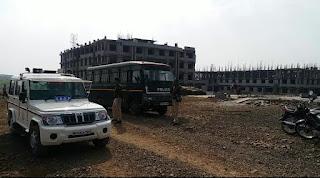 अतिक्रमण मुहिम का दूसरा दिन चैनपुरा में चला बुलडोजर