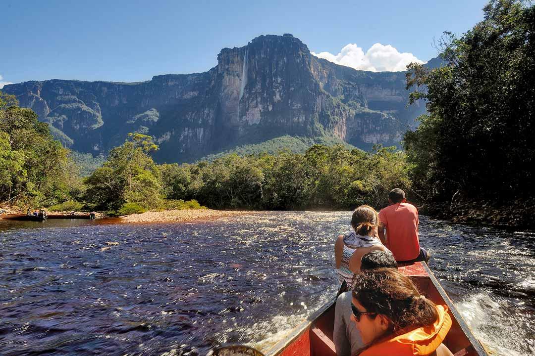 Экскурсия по реке Чурун до водопада Анхель
