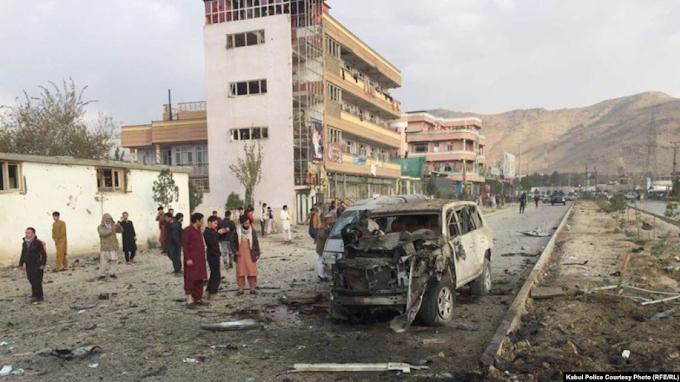 Car bomb kills  7 civilians near Interior Ministry in Kabul